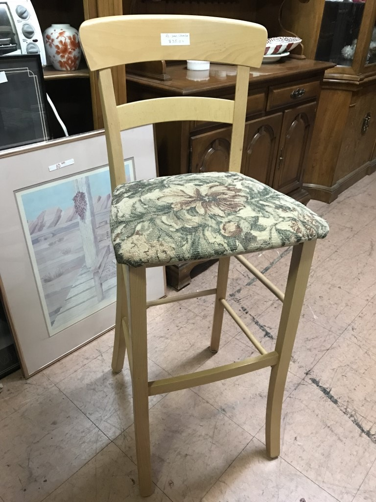 Thrift Store Bar Stools. Found a set of 2 for $35.00 #thriftstorefinds